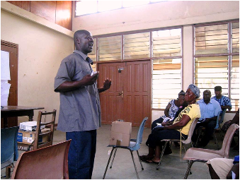 Eric shares his experience with other farmers at a Copa Connect workshop in March 2013.