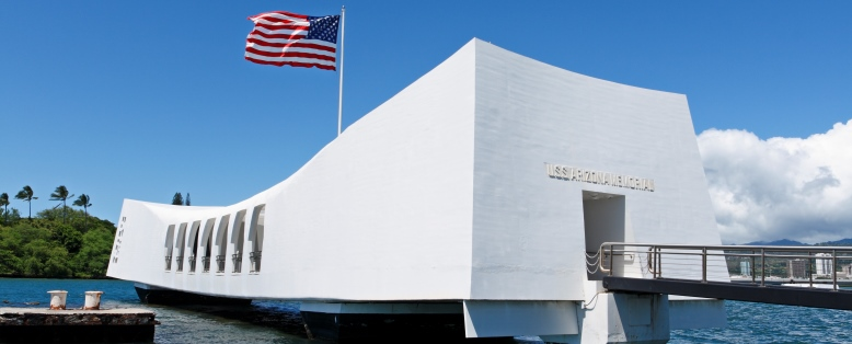The USS Arizona Memorial in Oahu, Hawaii. © compassandcamera/Getty Images